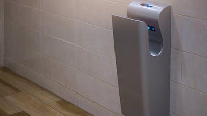Hygiène : les sèche-mains répandraient des bactéries fécales partout sur les mains