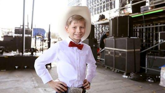 Du haut de ses 11 ans, le « Yodeling Boy » fait sensation à Coachella (vidéo)