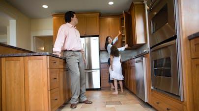 Pollution : certains placards de cuisine contiendraient des produits nocifs