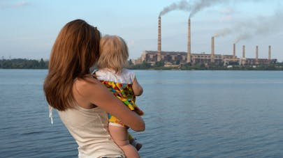 Pollution: une exposition brève suffirait à déclencher une infection pulmonaire chez l'enfant