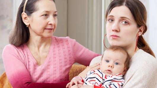 Insolite : une grand-mère demande à sa fille de la payer pour avoir gardé ses enfants