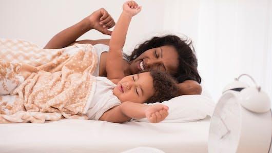Horloge biologique : les jeunes mamans peuvent influencer celle de leur bébé