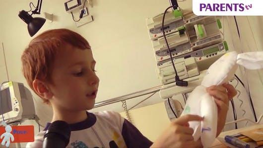Plume : la poupée qui fait du bien aux enfants