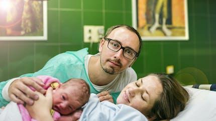 Père : assister ou non à l'accouchement