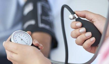 Hypertension, hypotension : les variations de tension pendant la grossesse