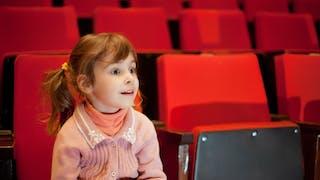 La première séance de cinéma pour les enfants
