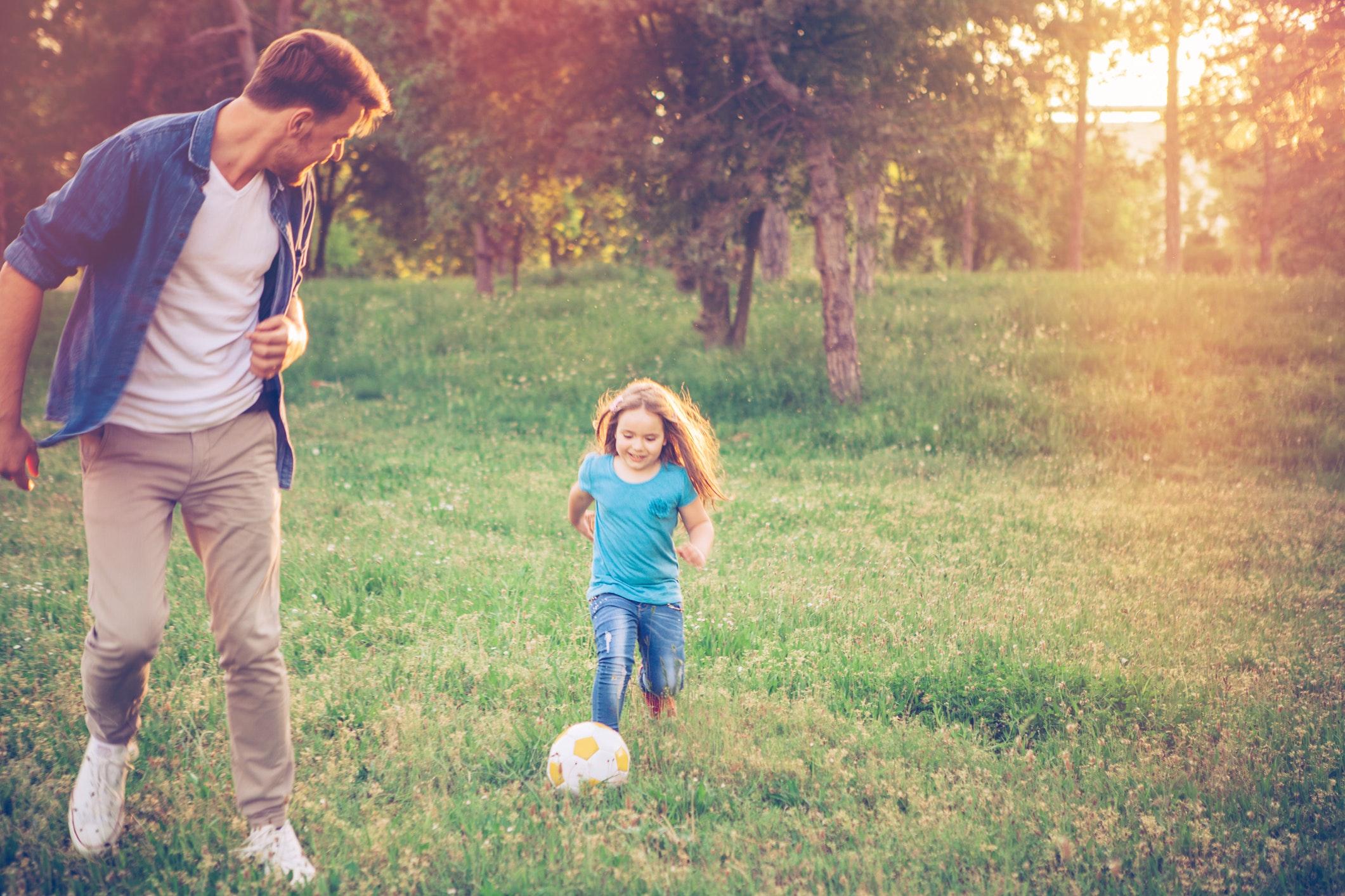La petite fille amoureuse de son papa [PUNIQRANDLINE-(au-dating-names.txt) 44