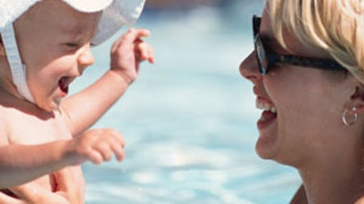 Bébés nageurs et santé : attention danger ?