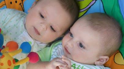 3c9d7d90c213 Avoir des jumeaux - Maman de jumeaux, leurs astuces   PARENTS.fr