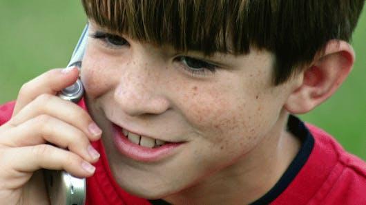 Un contrôle parental pour les téléphones portables des   enfants