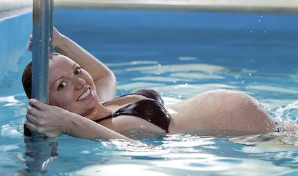 Se préparer à l'accouchement en piscine