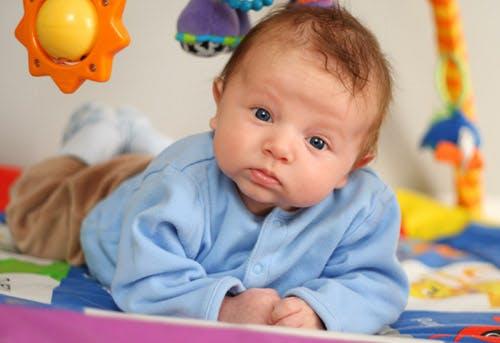 Activite Pour Bebe Jouer Avec Bebe Parents Fr