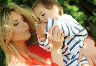 Comment éveiller un bébé sans trop le stimuler ?