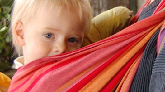 Quelles sont les différentes façons de porter son enfant   avec l'écharpe ?