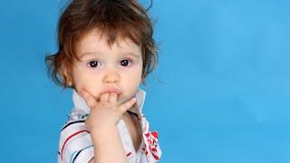 3-6 ans : ses petits tics et manies