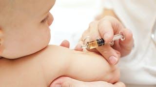 6 conseils pour bien préparer son enfant aux  vaccins