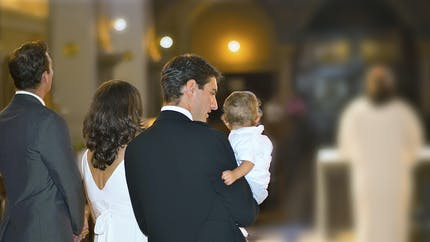 Le point sur le baptême catholique des bébés