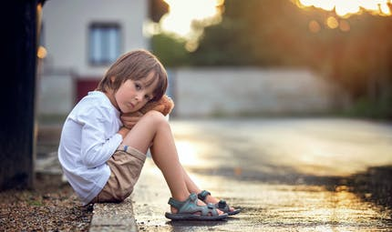 Mauvaises rencontres : comment en parler à son enfant   ?