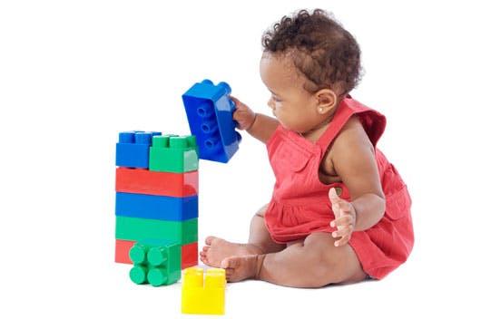 motricite fine bébé cubes