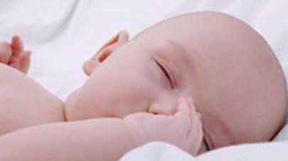 Bebe abandonne malade