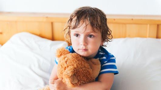 Pipi au lit : déculpabilisez votre enfant