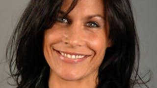 Femme/mère : Astrid Veillon ouvre le débat