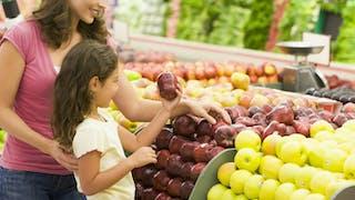 Côté alimentation avec vos enfants, êtes-vous une mère cool ou stricte ?