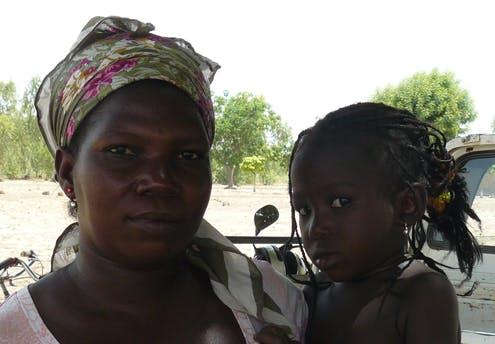 Irène et sa fille, Kama Sandrine, 3 ans