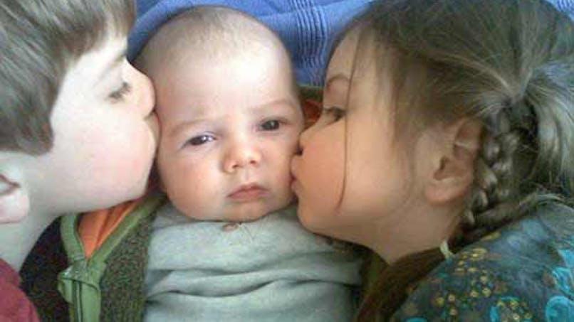 Eden, 4 ans, Lylye, 2 mois, et Loukian, 2 ans