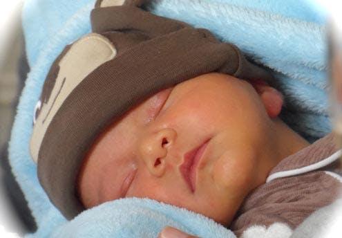 Emiliano (3 semaines)