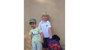 Tobias, 6 ans, et Ewen, 3 ans