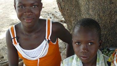 Félicité, 15 ans, et Néhémie, 7 ans