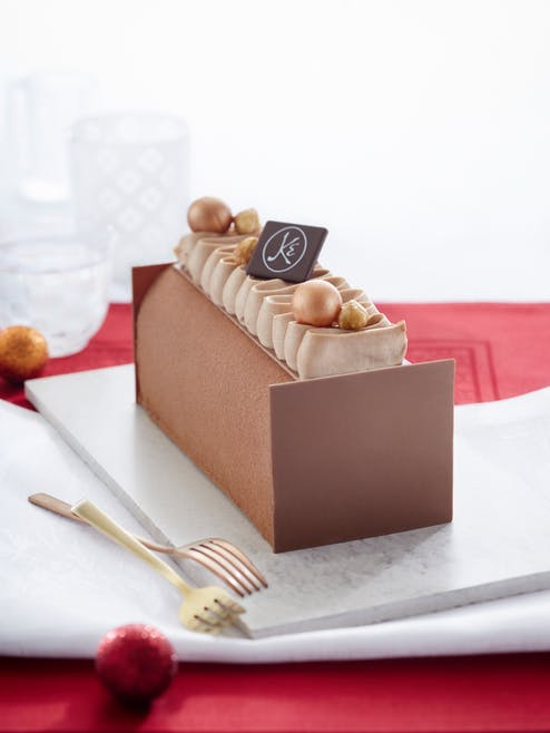 Bûche praliné chocolat noisette