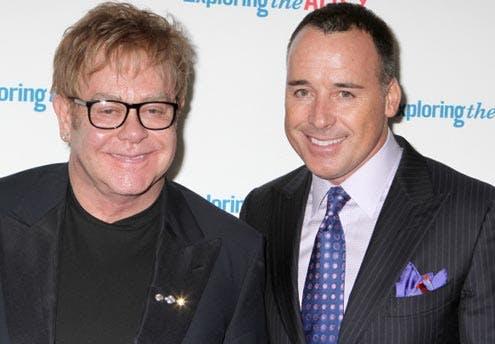 Une mère porteuse pour Elton John