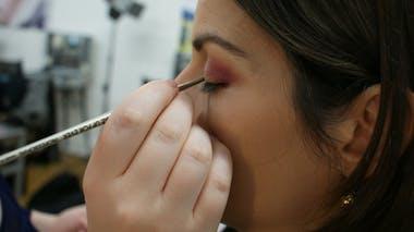 Etape 8 : créer la base eye-liner