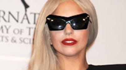 Lady Gaga complètement gaga