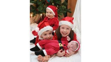 Louane (7 ans), Baptiste (5 ans), Lola (1 an) et Eline       (2 mois)
