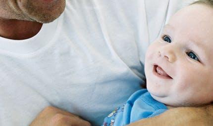 SFR : un congé de parentalité pour les couples  homosexuels
