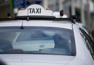 Dans un taxi
