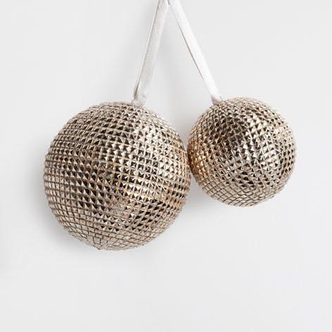 Boules métalliques