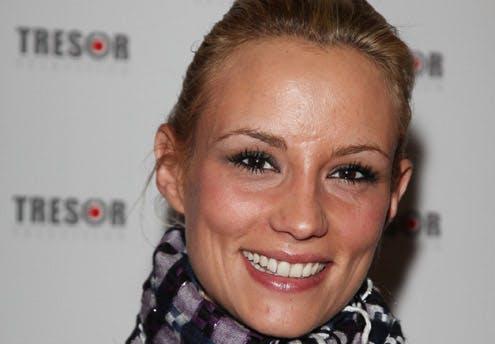 Elodie Gossuin, Miss France 2001 et présentatrice tous       les soirs dans l'émission Faut pas rater ça ! sur France 4 à       19h40
