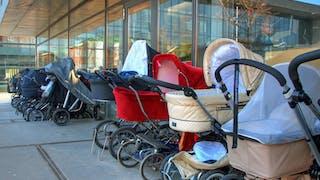 Ces bébés qui dorment dehors en plein hiver