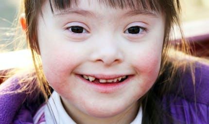 Une poupée pour enfant trisomique