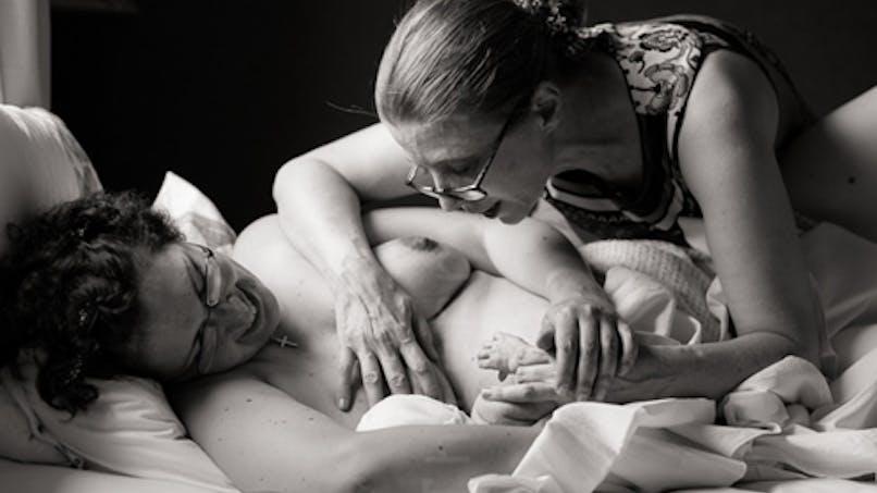 Allaitement : les plus beaux clichés du photographe   Thierry Marius
