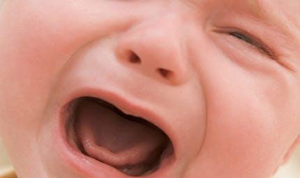 Pleurs de bébé : père et mère égaux pour les   reconnaître