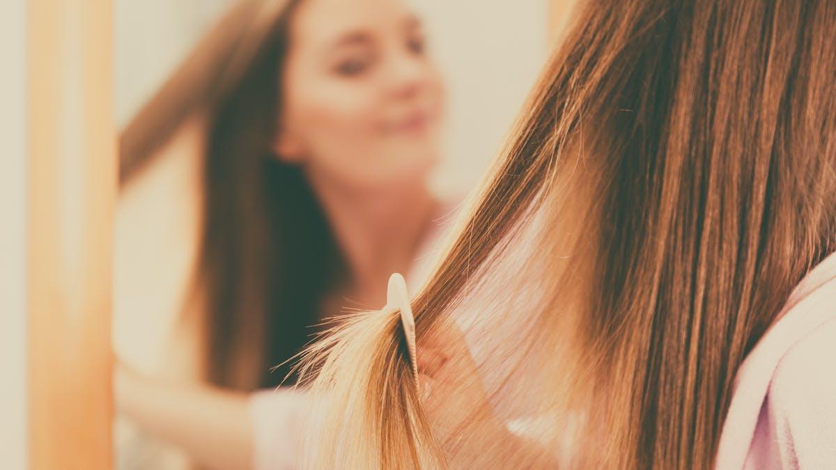 Soigner ses cheveux après l'accouchement