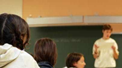 professeur devant ses élèves
