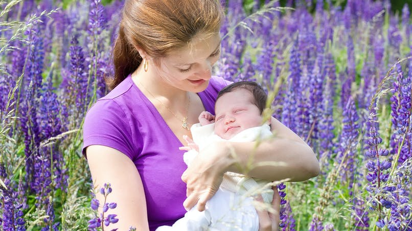 Nouveau-nés : les conseils pour les protéger en  été