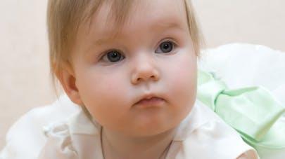 bébé smarthphone image
