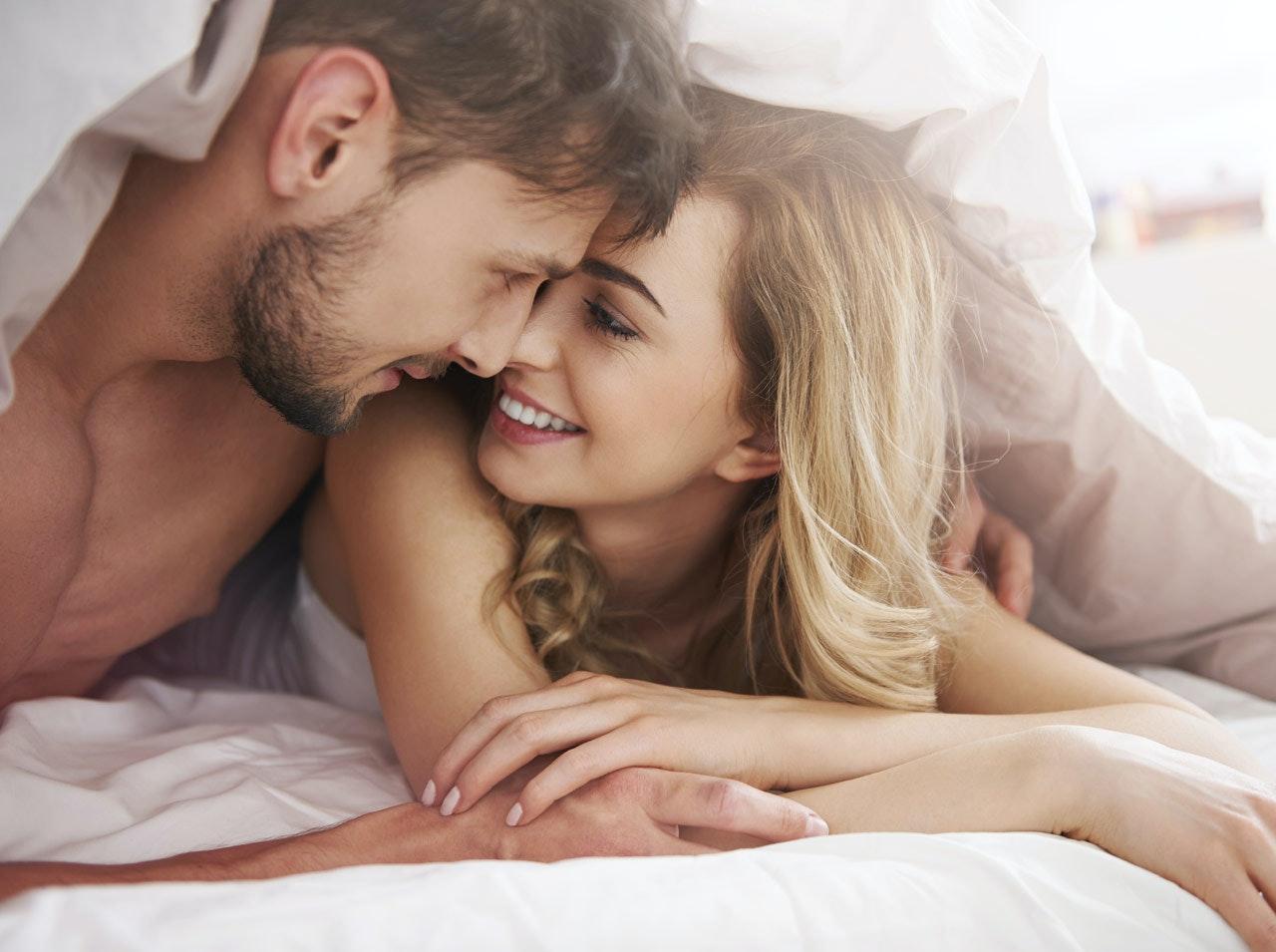 2 femme amoureuses qui son toute nu [PUNIQRANDLINE-(au-dating-names.txt) 29